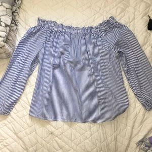 NWT Gap off the shoulder stripe